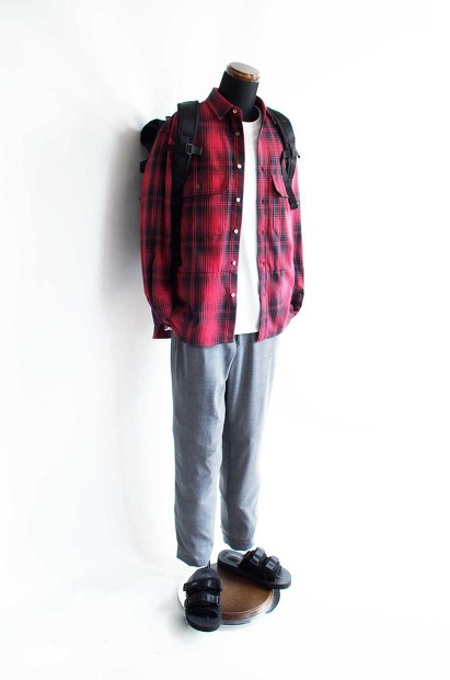 Meanswhile Flannel Check Shirt JacketのRedの全身スタイルの画像