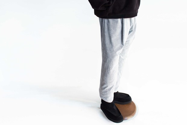 White lineのChambray Corduroy Pantsのコーディネートの画像